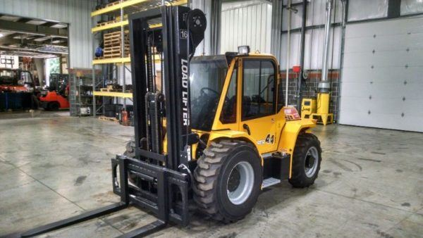 8,000 LBS Cap.<br> Rough Terrain Forklift<br>2017<br> ID#: Laborer8000