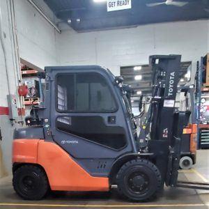8,000 LBS Cap. LP<br>Pneumatic Forklift<br>2016<br>ID#: E008787