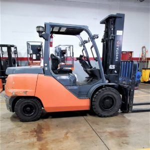 11,000 LBS Cap. Diesel<br>Pneumatic Forklift<br>2016<br>ID#: E008479