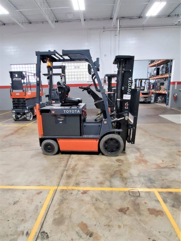 5,000 LBS Cap. Electric <br>Cushion Forklift<br>2016<br>ID#: E008589