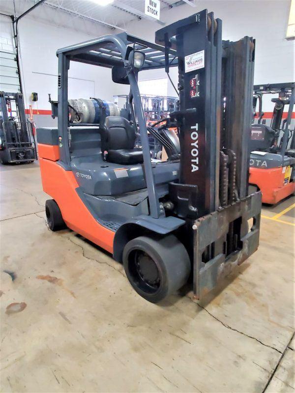 12,000 LBS Cap. LP<br>Cushion Forklift<br>2014<br>ID#: E000420