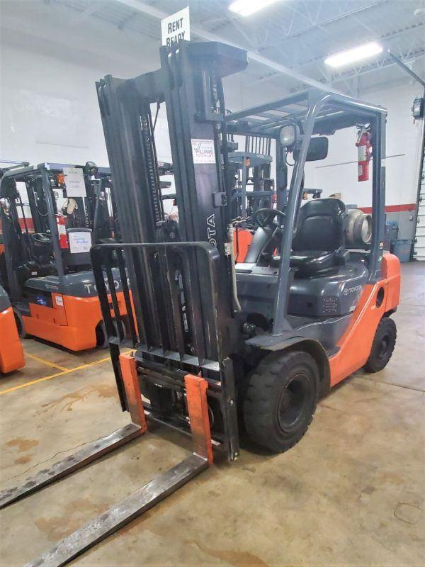 5,000 LBS Cap. Dual Fuel<br>Pneumatic Forklift<br>2017<br>ID#: E003605