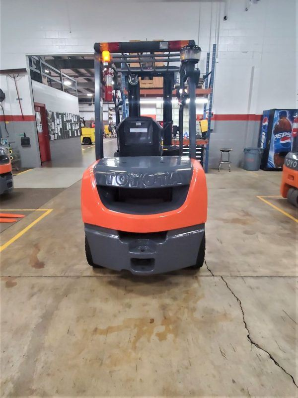 6,000 LBS Cap. Diesel<br>Pneumatic Forklift<br>2017<br>ID#: E009164