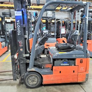 3,000 LBS Cap. Electric<br>Cushion Forklift<br>2016<br>ID#: E002671