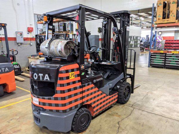 6,000 LBS Cap. LP<br>Cushion Forklift<br>2017<br>ID#: E003759