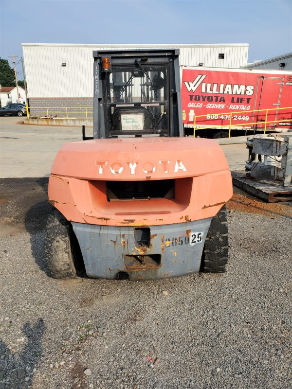 17,500 LBS Cap. Diesel<br>Pneumatic Forklift<br>2011<br>ID#: E008629