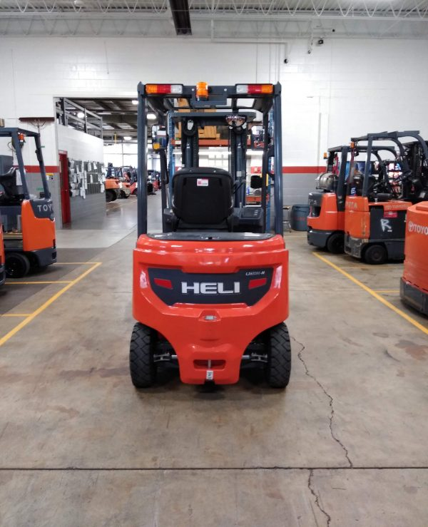 5,000 Cap. Electric<br>Pneumatic Forklift<br>**NEW** 2021<br>CPD25-GB2Li-M